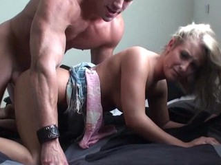 Extremely beautiful and sexy slut gets a good wet crack stretch