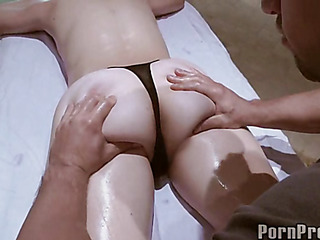 Delighting a horny snatch during sensual oil massage
